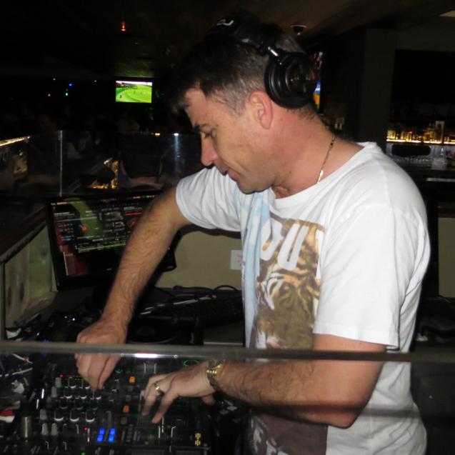 DJ X-iLL-R8 | Recharge DJ's